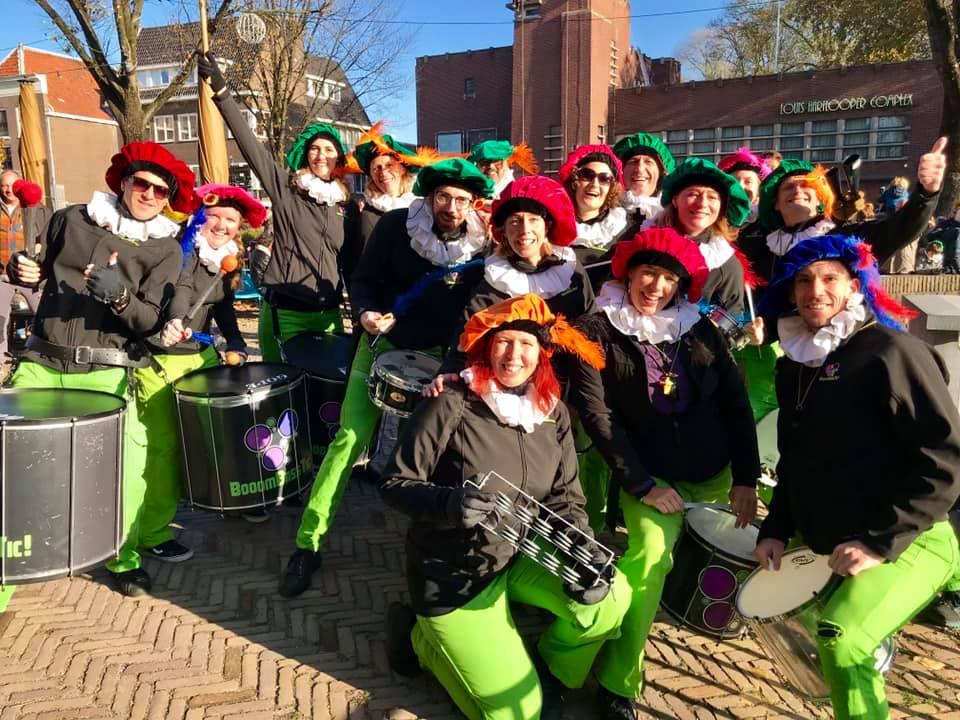 Sambaband BooomBassTic bij de Sint in Utrecht