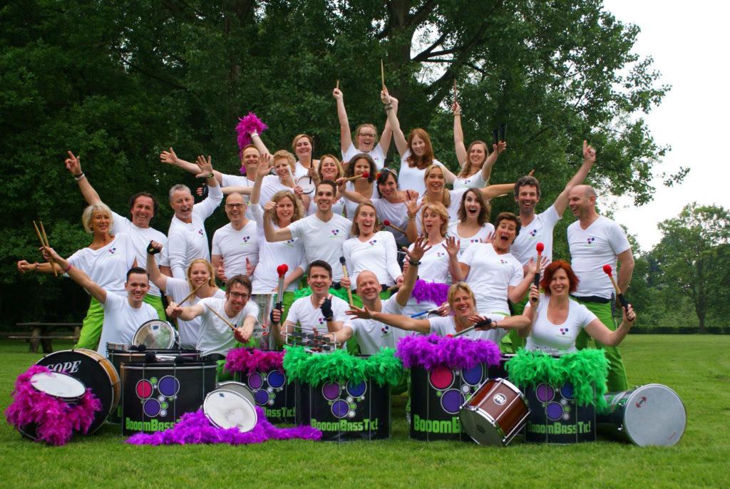 Groepsfoto Sambaband BooomBassTic! uit Utrecht